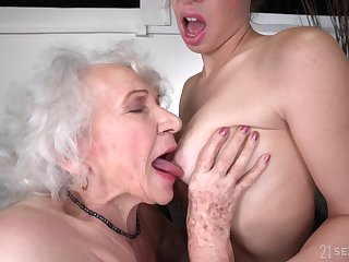 old and young lesbian sexual connection with R a unoccupied GILF and 18yo brunette - leave-taking gift