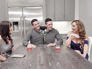 Foursome fucking plus a double facial ending - Richelle plus Alana