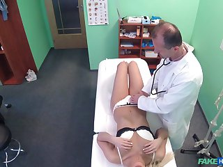 Good looking patient Nathaly Cherie pleasured wide of her water down