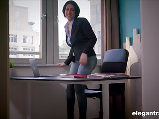 Secretary Eloa Lombard takes a fat dick with regard to her mouth and pussy