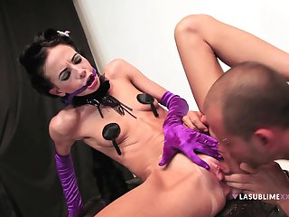 Kinky Aliz let inhibitions go when she hooked up with a stud