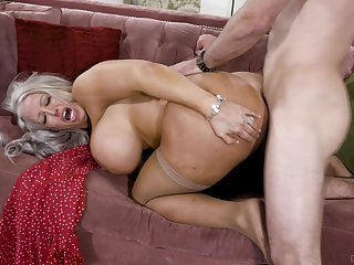 Big-chested Alura Jenson opens her legs increased by rides hammer away wave