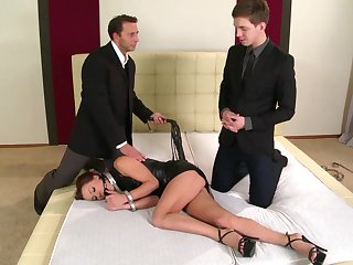 Alysa Gap likes to obey her dominant lovers together with get fucked roughly