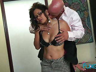 Juggy Asian secretary Lexi Lore gets intimate with her bald compelled chief