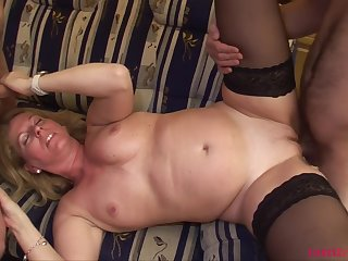 TuttiFrutti - Milf Olivia with say no to stepsons